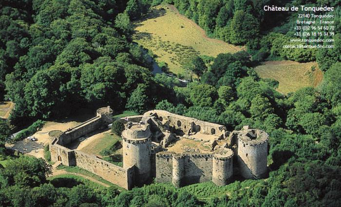 Château de Tonquédec.png